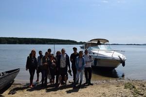 """Експерти от РИОСВ – Монтана и ученици посетиха остров """"Ибиша"""""""