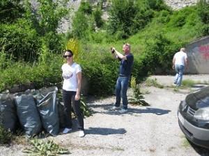 """Екипът на РИОСВ – Монтана се включи в кампанията """"Да изчистим България заедно"""""""